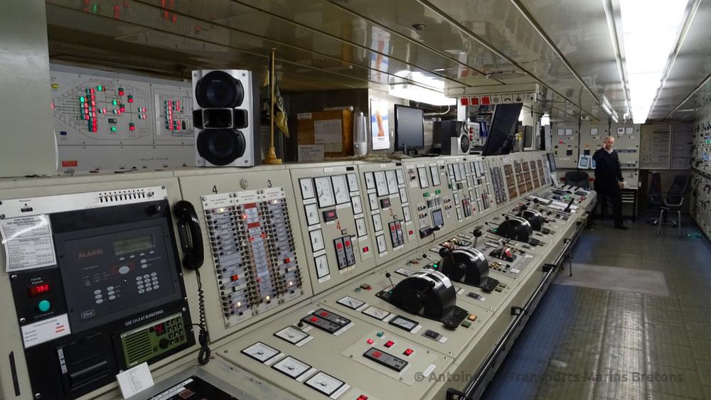 Salle de Contrôle des Machines d KIng Seaways, située au pont 01.