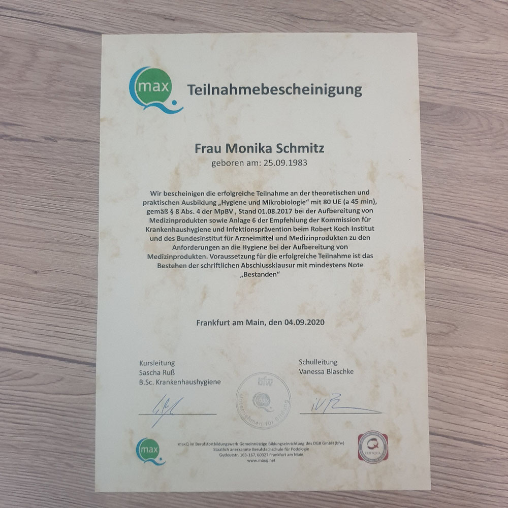 Zertifikat Hygiene und Mikrobiologie  sowie Instrumenten Aufbereitung