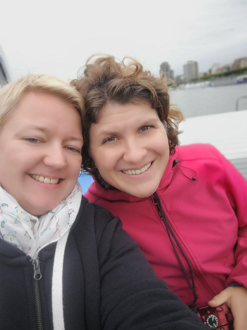 Anke und ich auf dem Schiff