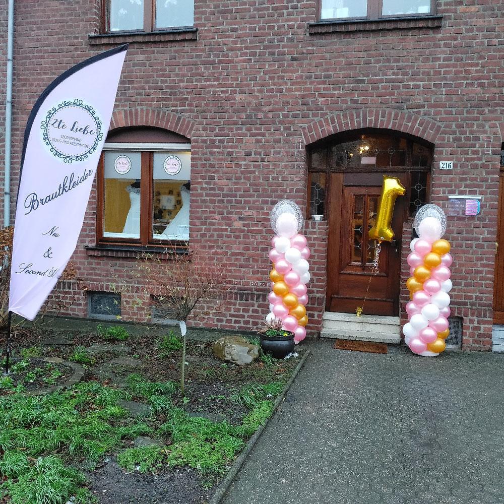 Hauseingang am 1sten Geburtstag von 2te Liebe