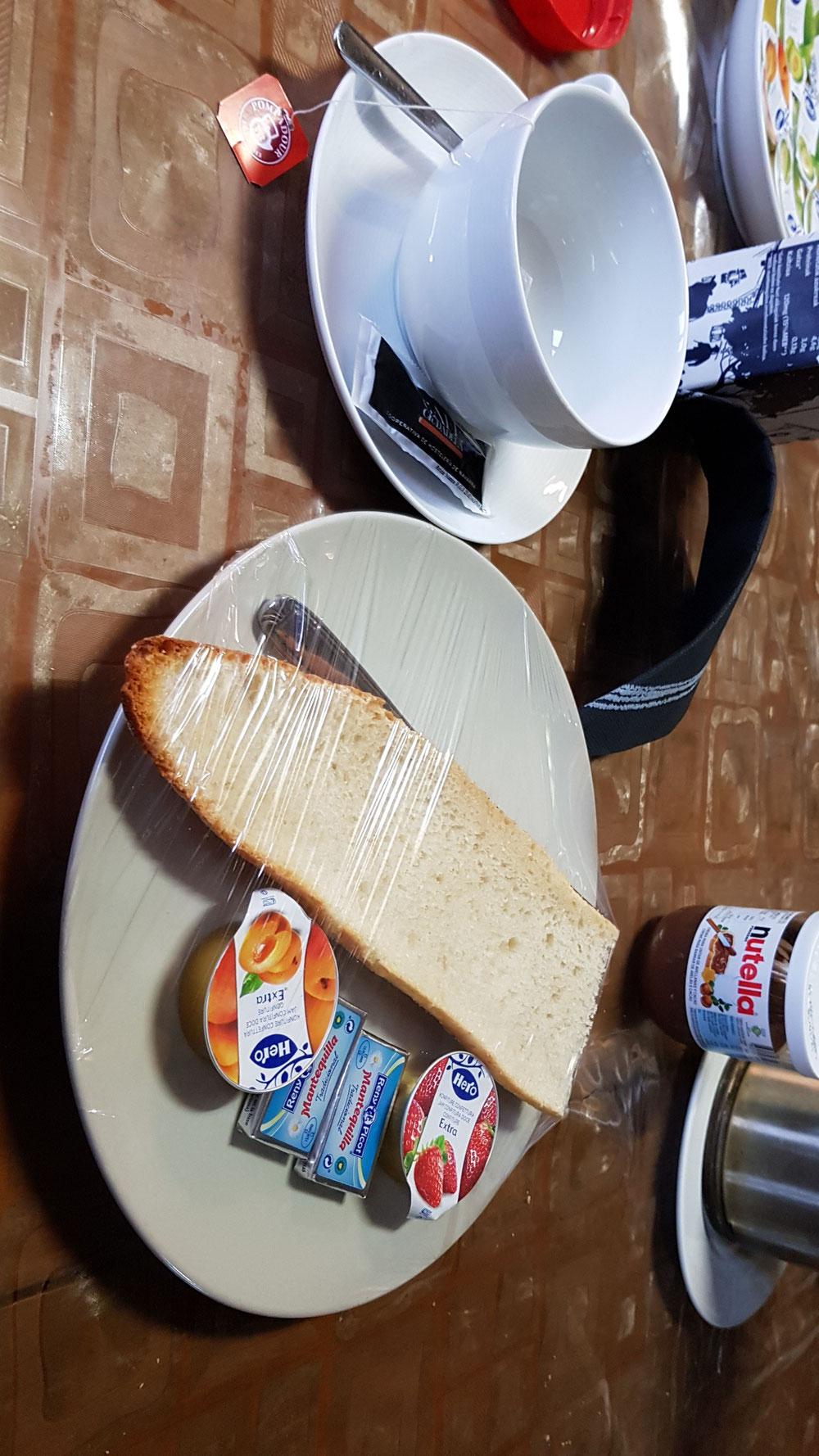 Ein gutes Frühstück in Zubiri.