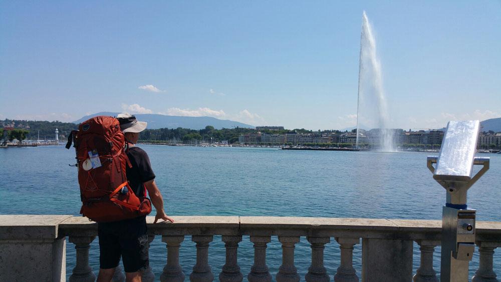Genf. Hier bleibe 2 Tage. Bis zu französische Grenze nur 7 km.
