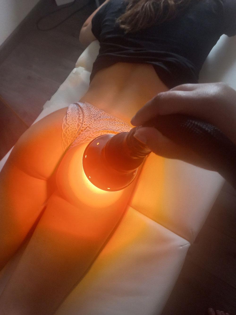 Lifting colombien fesse avec la chaleur et lumière pulsée