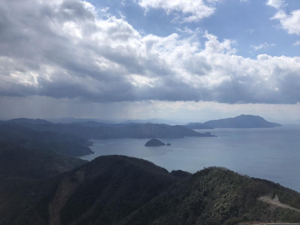 烏辺島(うべしま)が見えます