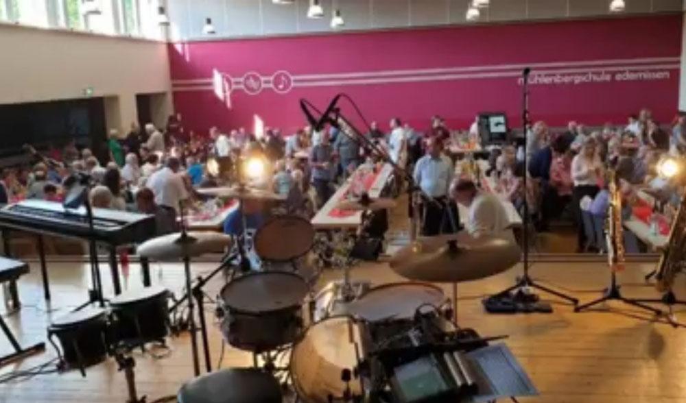 Das PARTYJAZZTRIO durfte die Veranstaltung  musikalisch begleiten.