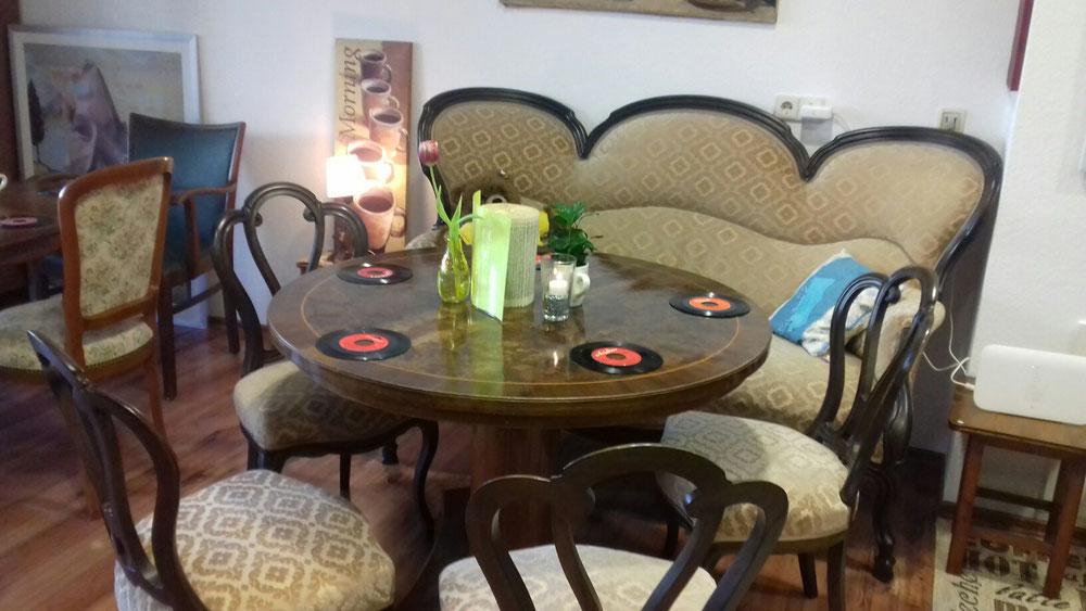 Café Lindau - Café Live in Lindau - Feiern in gemütlicher Atmosphäre auf bequemen Sitzgelegenheiten