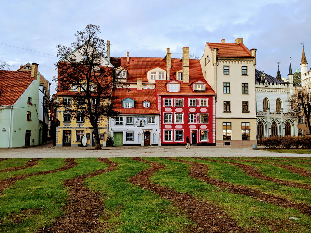 Typische Häuserfront in Riga Old Town