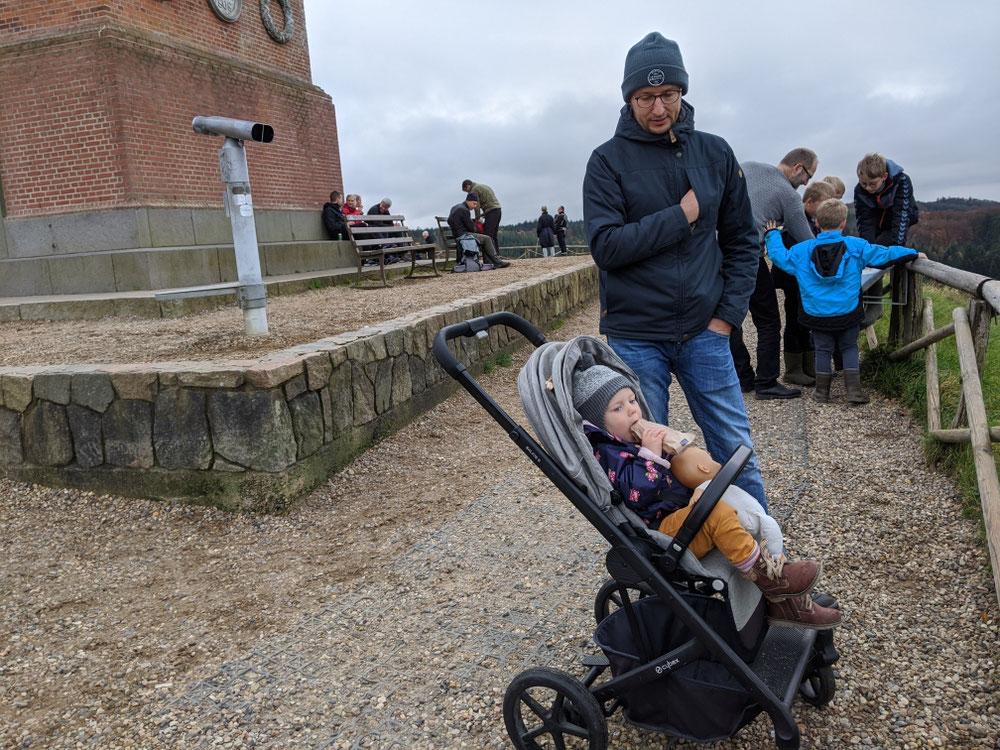 Rollstuhl- und kinderwagengerechter Aufstieg möglich