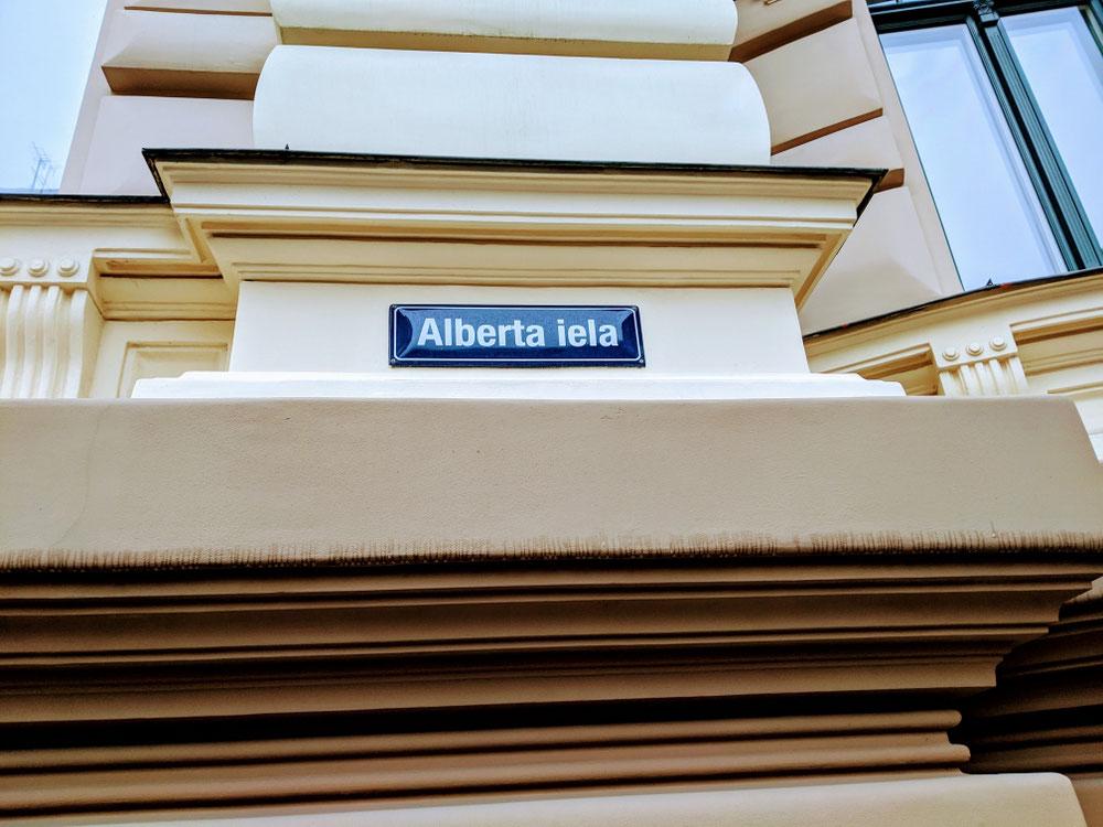Albert Straße: Dreh- und Angelpunkt im Jugendstil-District