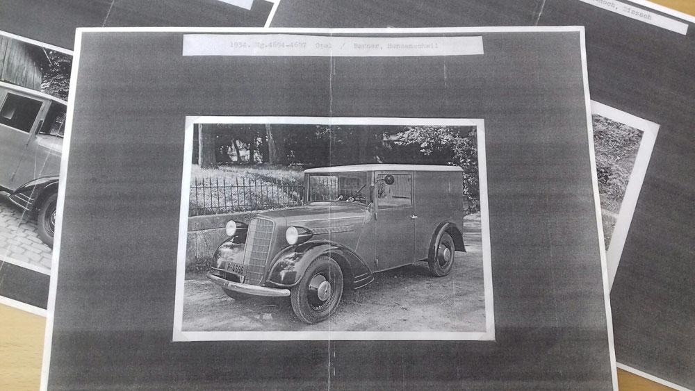 Opel 6 umgebaut von Berner in Hunzenschil, es wurden 4 Wagen dort Umgebaut. Das Foto aus dem Schweizer Archiv zeigt noch den Wagen Nr. 4694 mit der Haube und Felgen vom Typ 1397