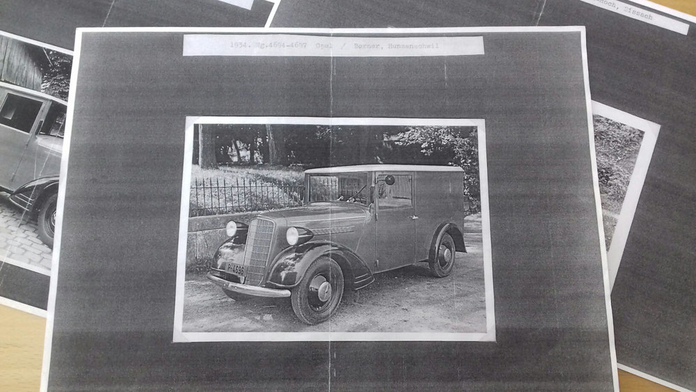 Opel 6 umgebaut von Berner in Hunzenschil, es wurden 4 Wagen dort Umgebaut. Das Foto aus dem Schweizer Archiv zeigt noch den Wagen Nr. 4694 mit der Haube und Felgen vom frühen Opel 6, die Lüftungschlitze vom Typ 1397 sind gleich aber kleiner.