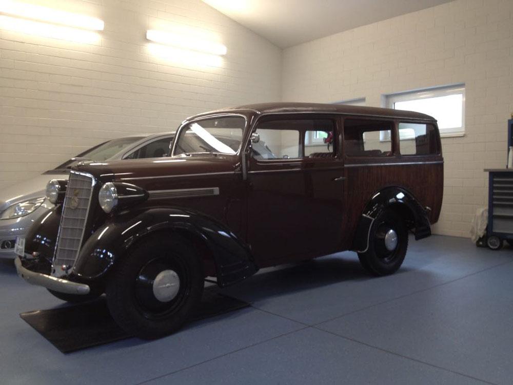 Opel 1397 Lieferwagen Woddy