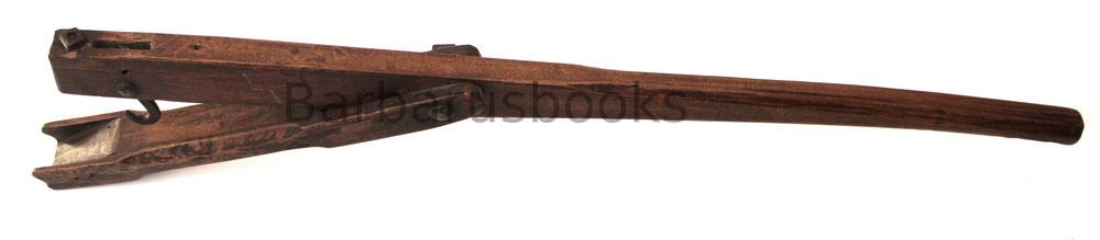 Armbrustspanner Geißfuß Armbrustschütze Bogenschütze Zeughaus Rüstkammer