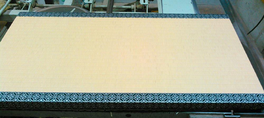 床の間の畳をダイケン(和紙表)床龍 小目表で、表替えしました。