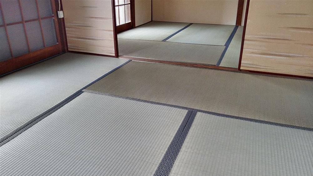 小田原市内の賃貸物件表替えです。