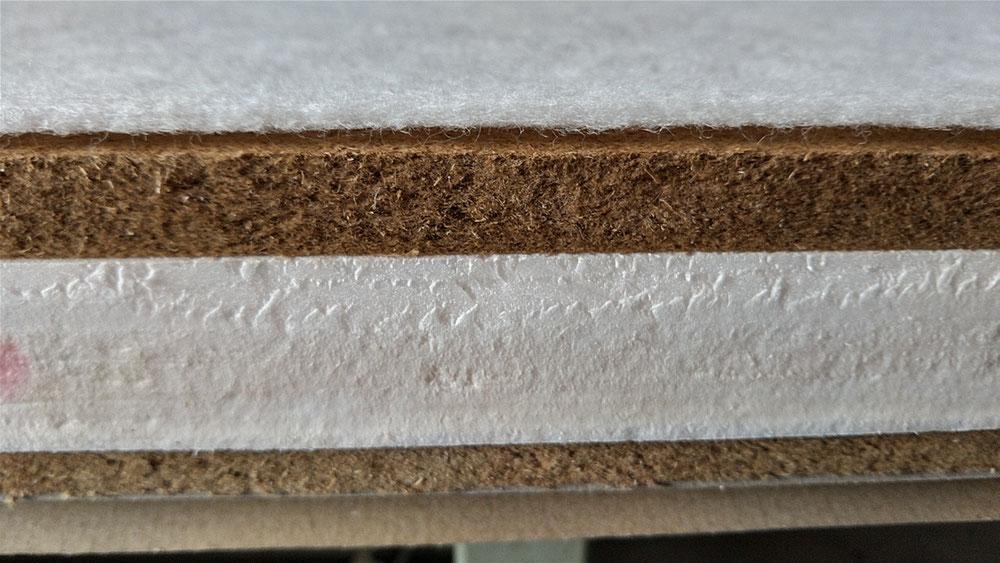 畳床は、本間建材床(京間サイズ)です。上部に2㎜ンクッション、下部に厚紙2㎜使用で、オーダー品です。