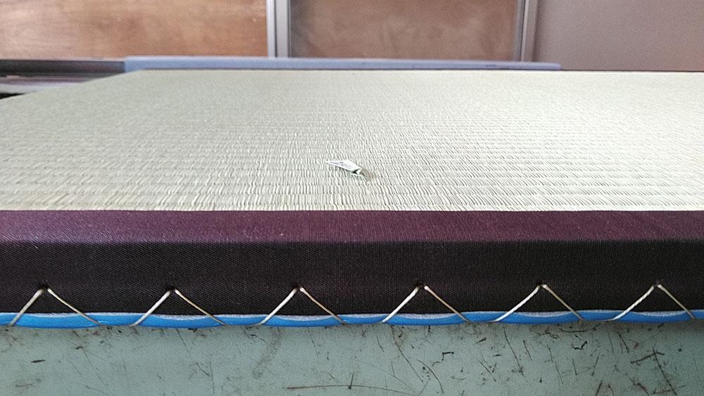 畳表は熊本産、畳縁は綿縁栗茶色を使用しました。
