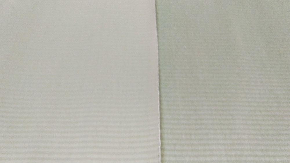 左側がセキスイ美草リーフグリーン色です。右側がセキスイ美草グリーン色です。