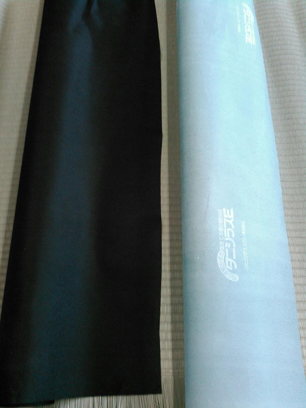 畳専用ダニシート(右側)畳専用竹炭パワーシート(左側)