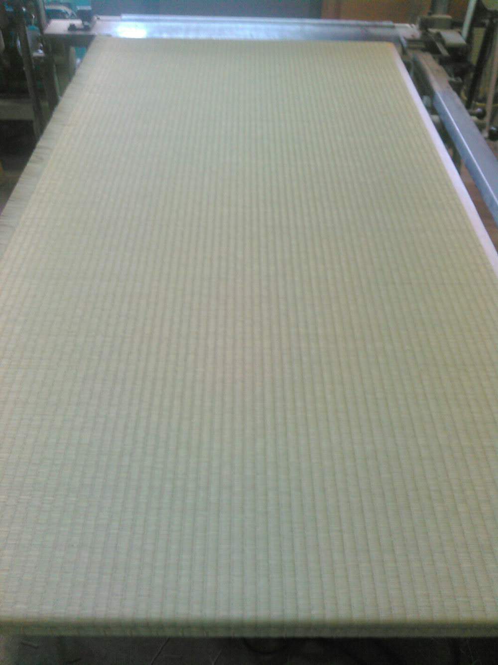 小田原市内の新畳(建材床)作業です。
