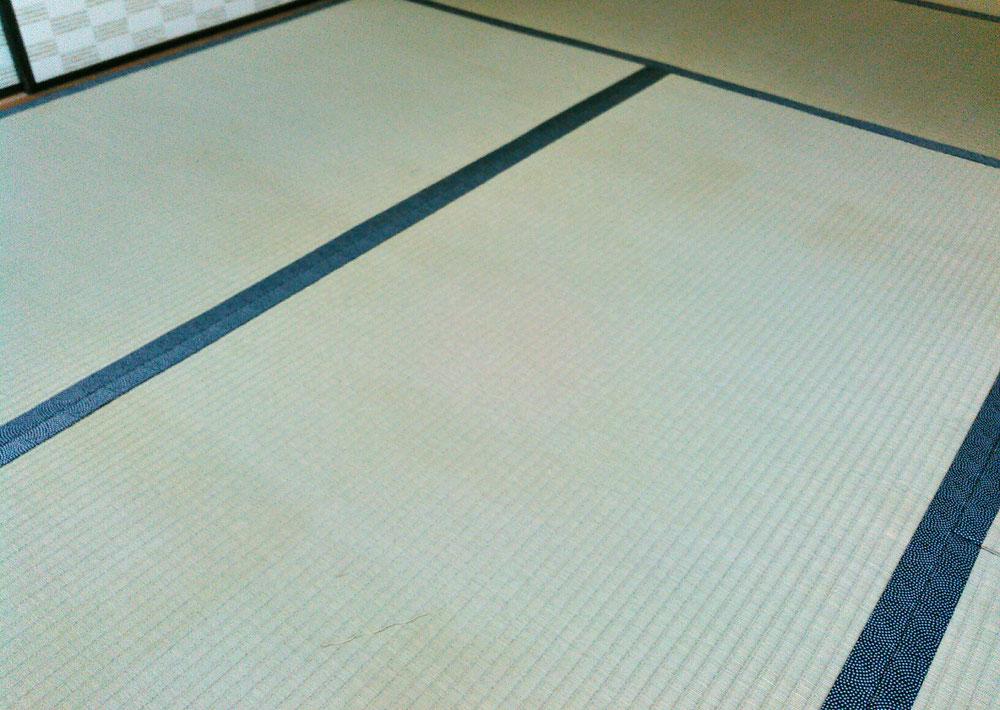熊本産表と和柄畳縁 鯔背No30使用して表替えしました。