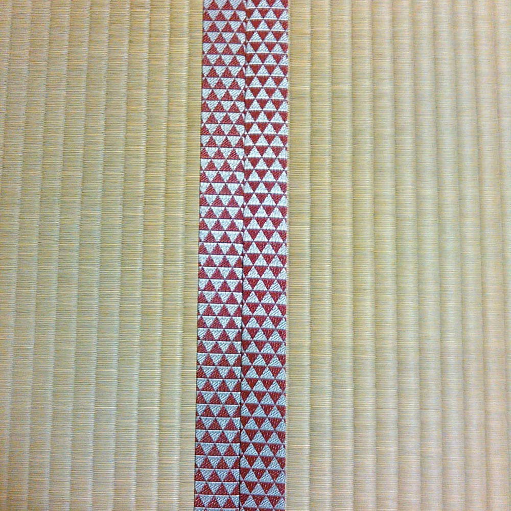熊本産表、鱗柄の縁を使用しました。