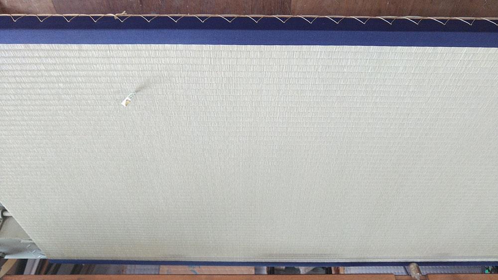 熊本産表を使用して、新畳作業をしております。