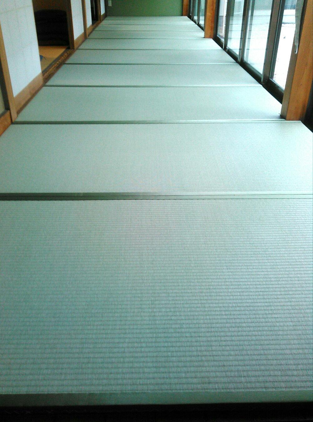 廊下用畳を納品しました。