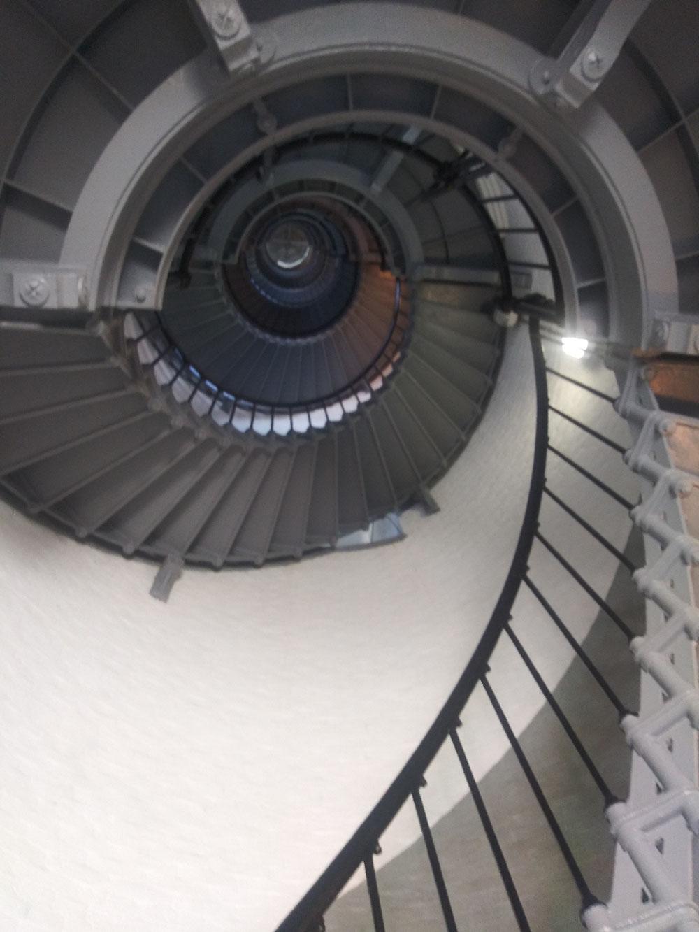 203段の螺旋階段。かなりハードです。