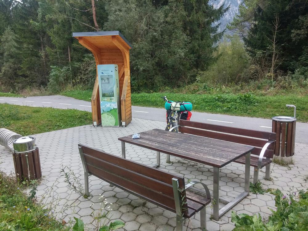 Rastplatz bei Mojstrana - ein Blick in die Zukunft des Radwanderns