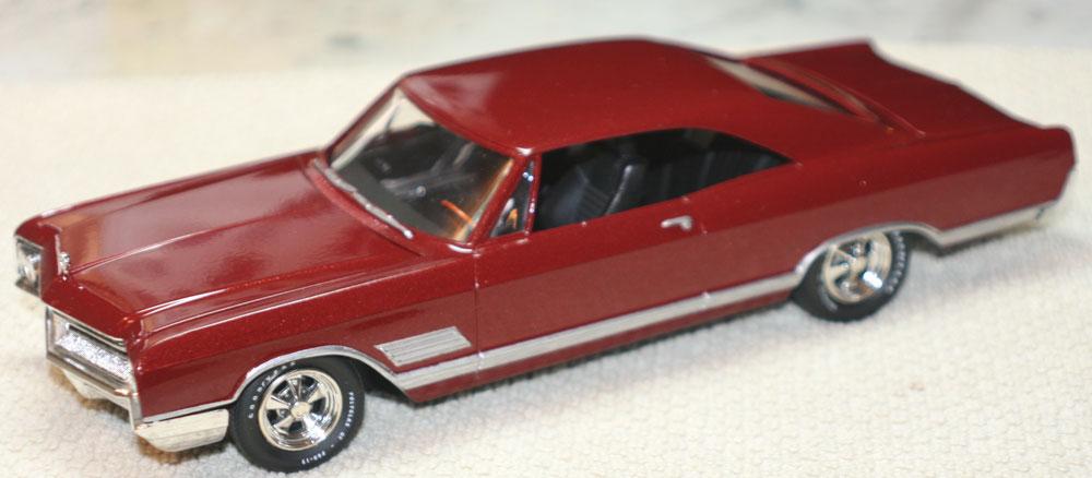 1:25 AMT 66' Buick Wildcat - Tex the Model Maker