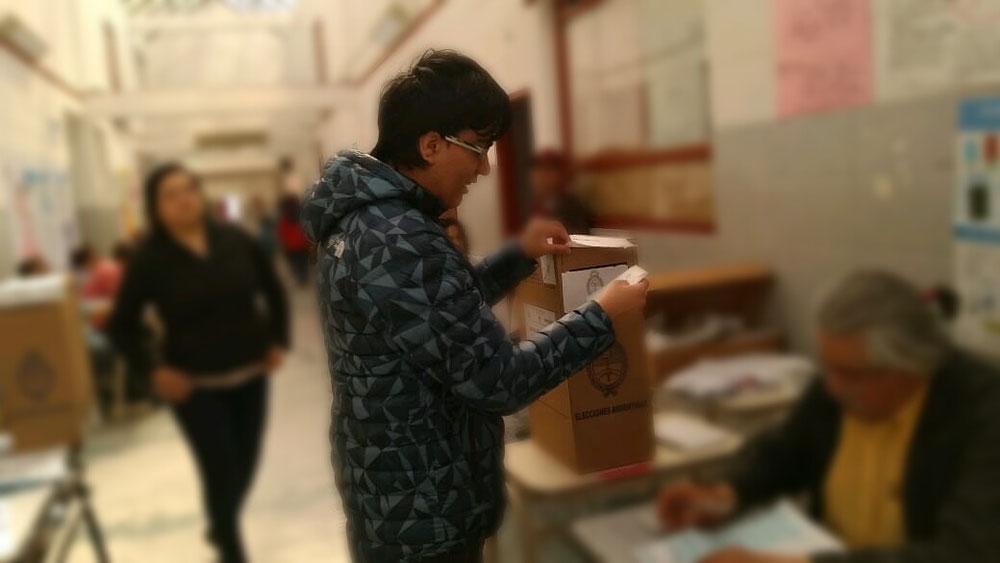 Votar es un derecho de la democracia :)