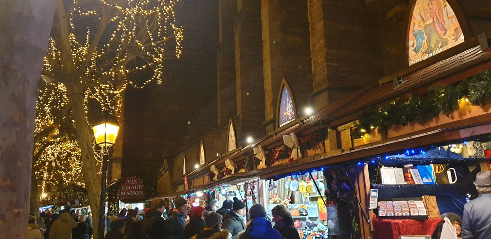Marktstände am Dominikanerkloster
