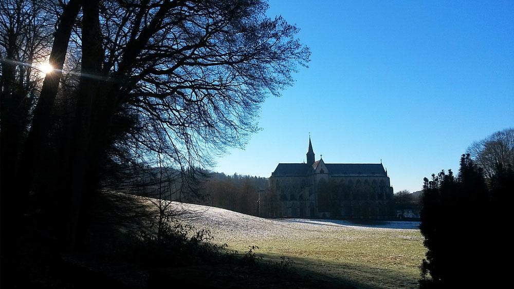 Der Altenberger Dom, wie er sich den Pilgern schon seit Jahrhunderten in seiner Silouhette zeigt.