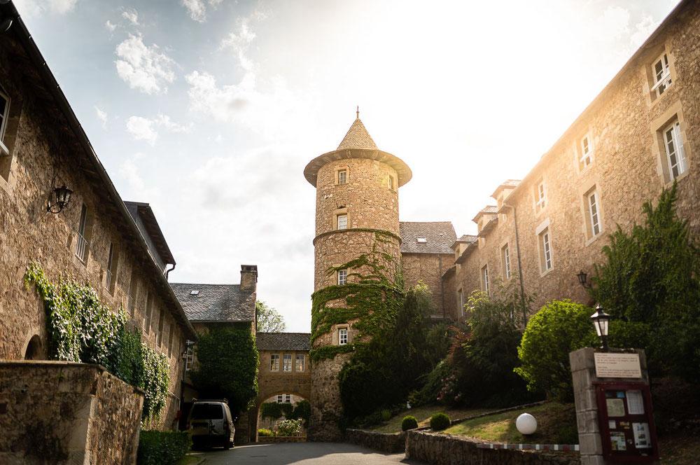 Entrée de l'Hostellerie de Fontanges en Aveyron