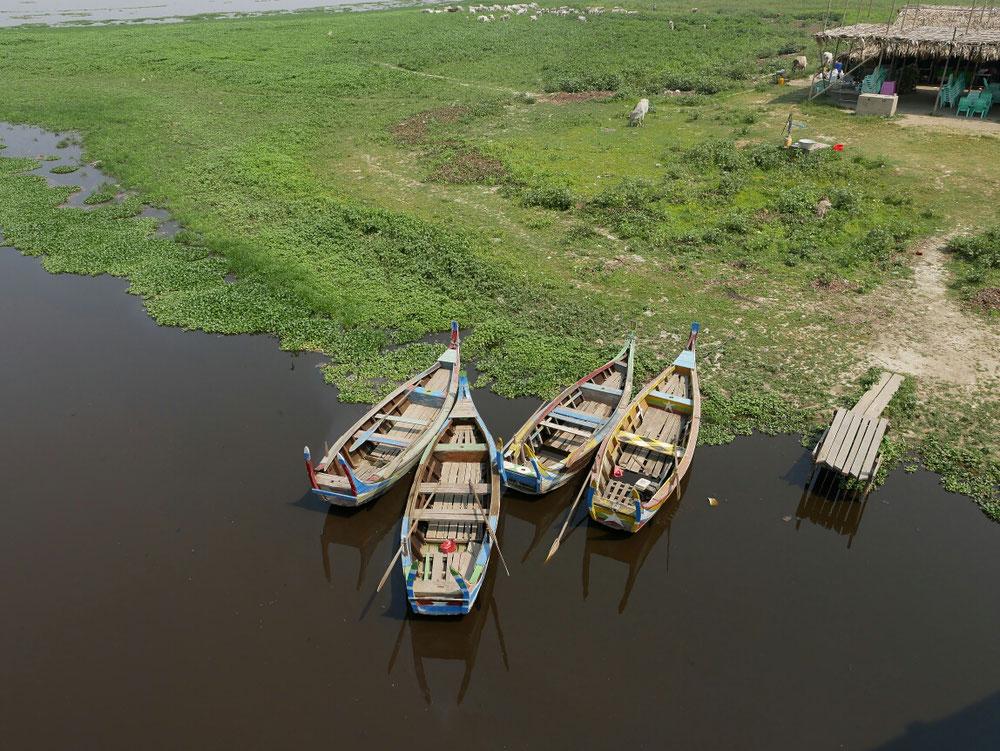 bunte Böötchen - Myanmar ist auch viel Farbe