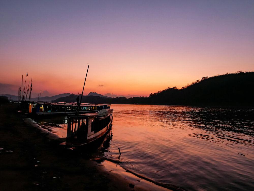 Der Mekong in schönste Farben getaucht
