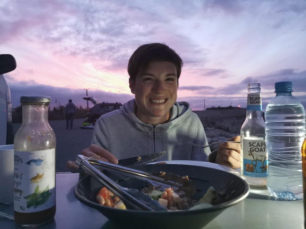 Abendessen bei Sonnenuntergang