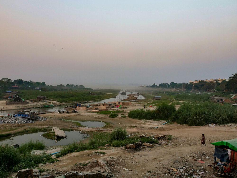 Wildromantische birmanesische Natur