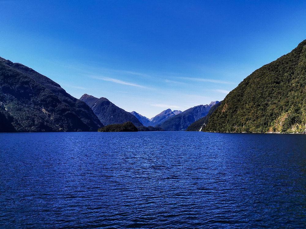 Der Fjord vom Wasser aus
