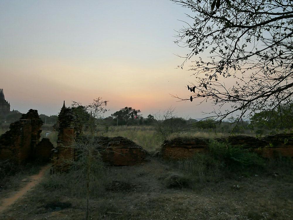 Unser erster Sunset - noch vom Boden aus