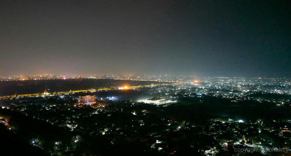 Mandalay im dunkeln