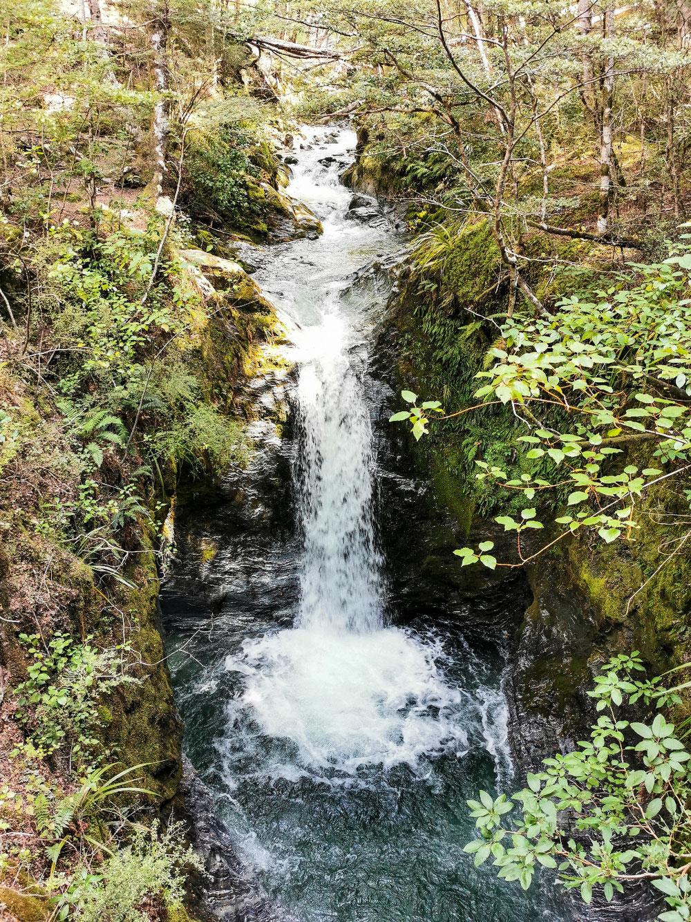Wasserfälle gibt's auch überall zu bestaunen