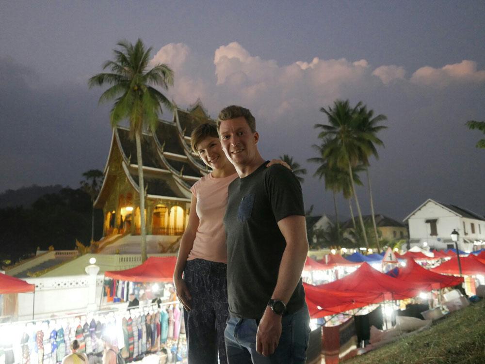 Keine Fototapete! Nightmarket mit Ho Phra Bang