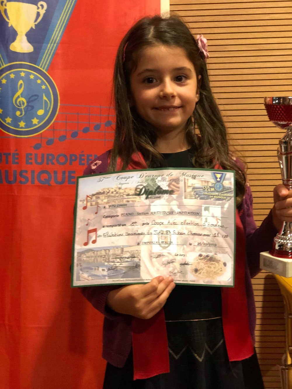 Louise 18/20 lors de la coupe d'Europe de musique en Italie