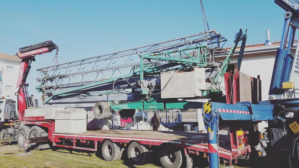 Camion gru sollevamento e trasporto gru edile Santarcangelo di Romagna