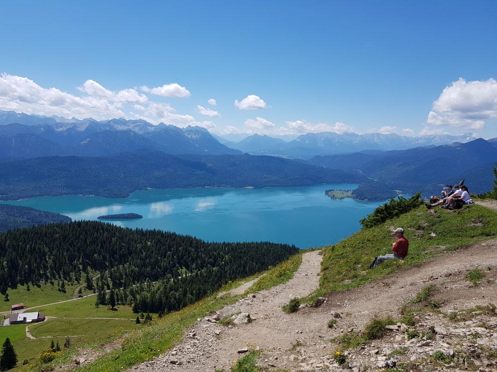 Blick vom Gipfel zum Walchensee