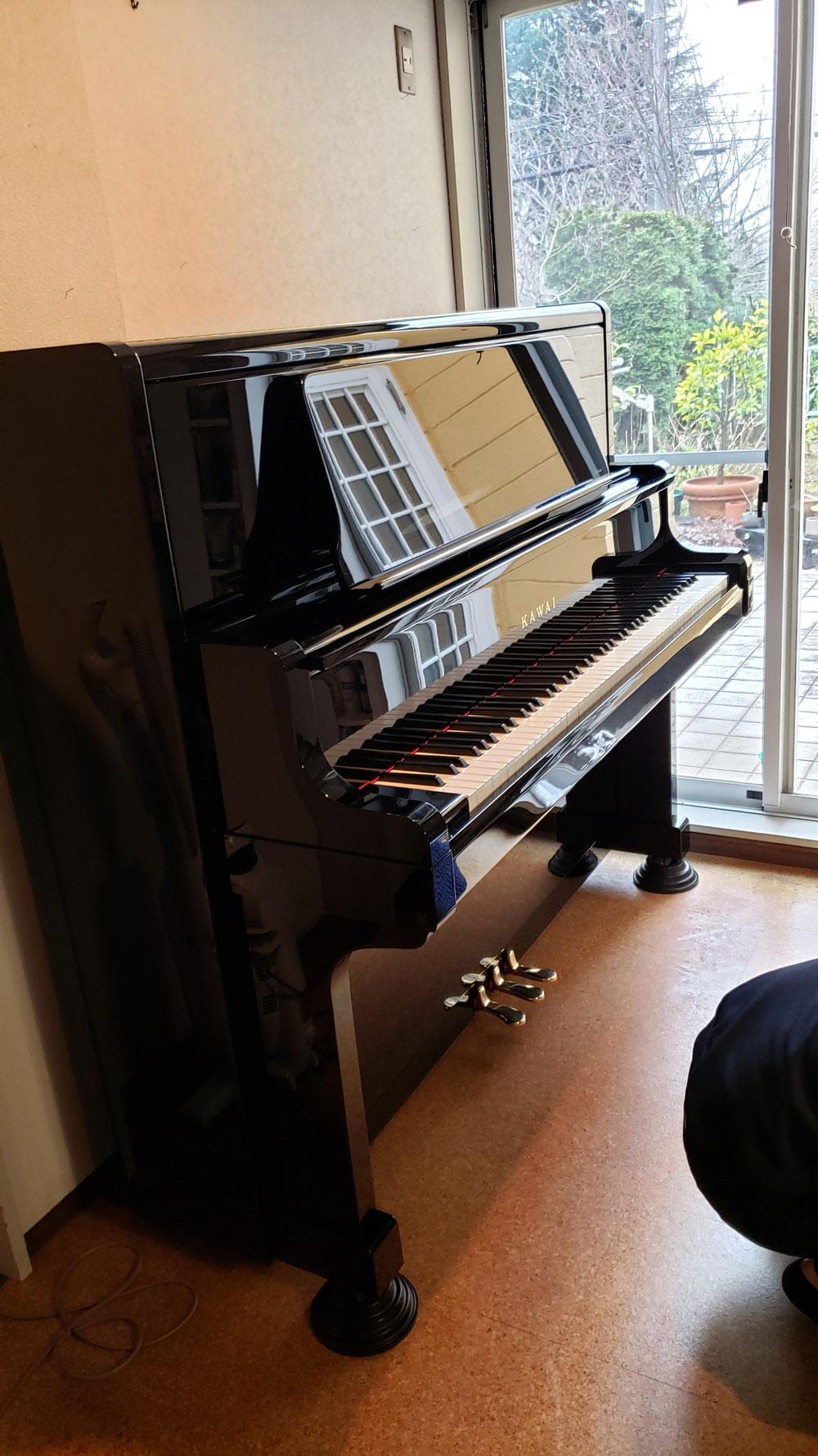 KAWAIのピアノです。まるで現行ピアノです。