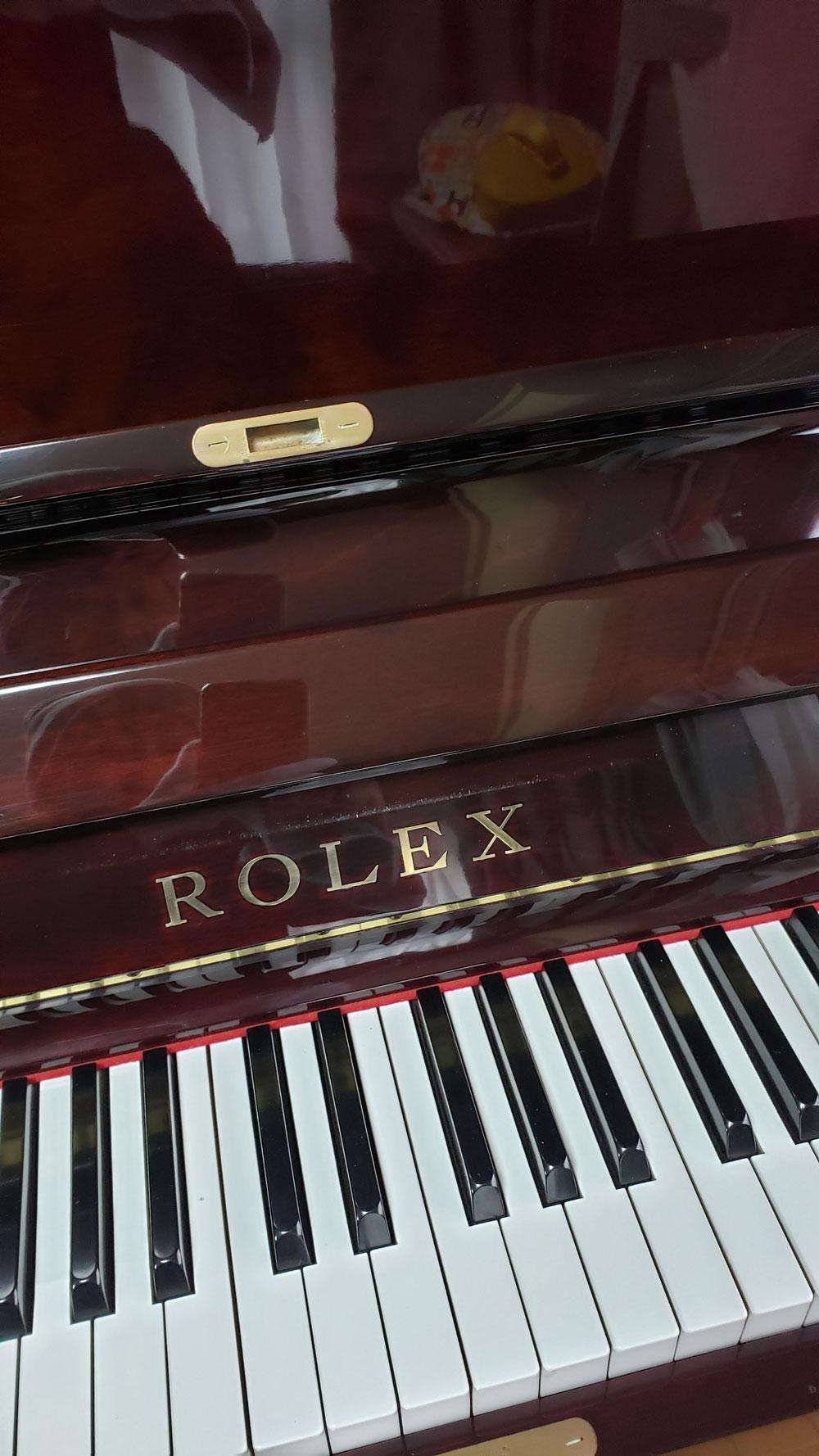 30年以上のピアノもこの通りピカピカ
