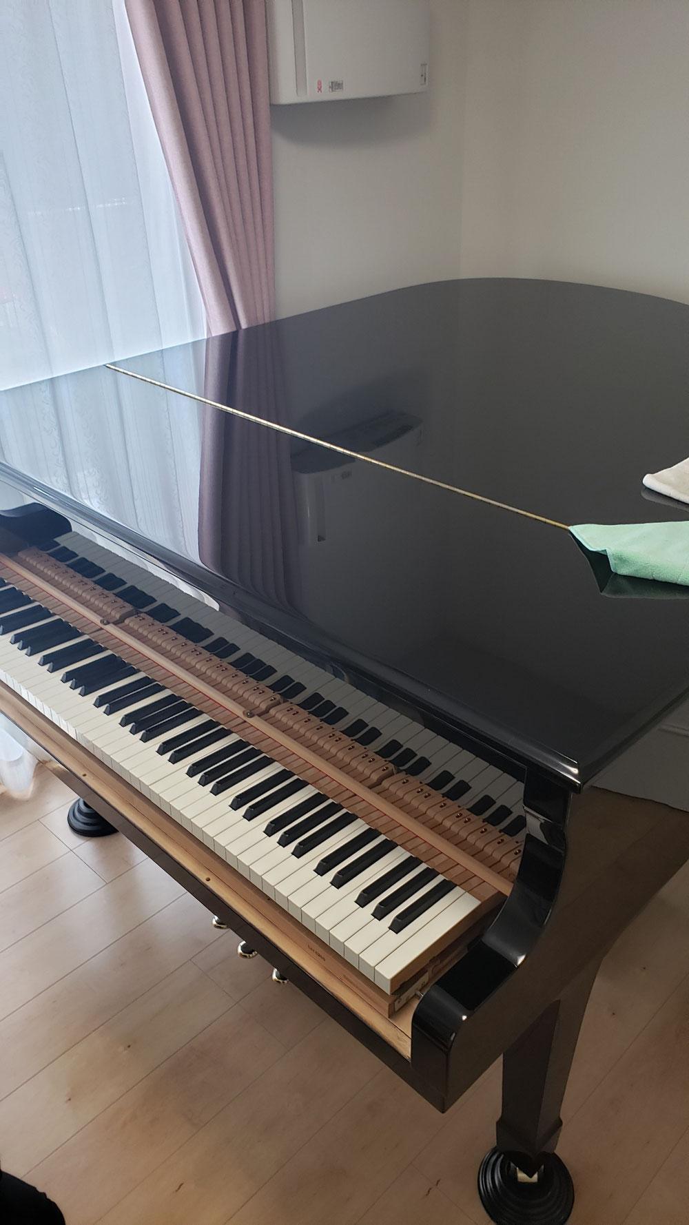 グランドピアノも、この通りピカピカです。